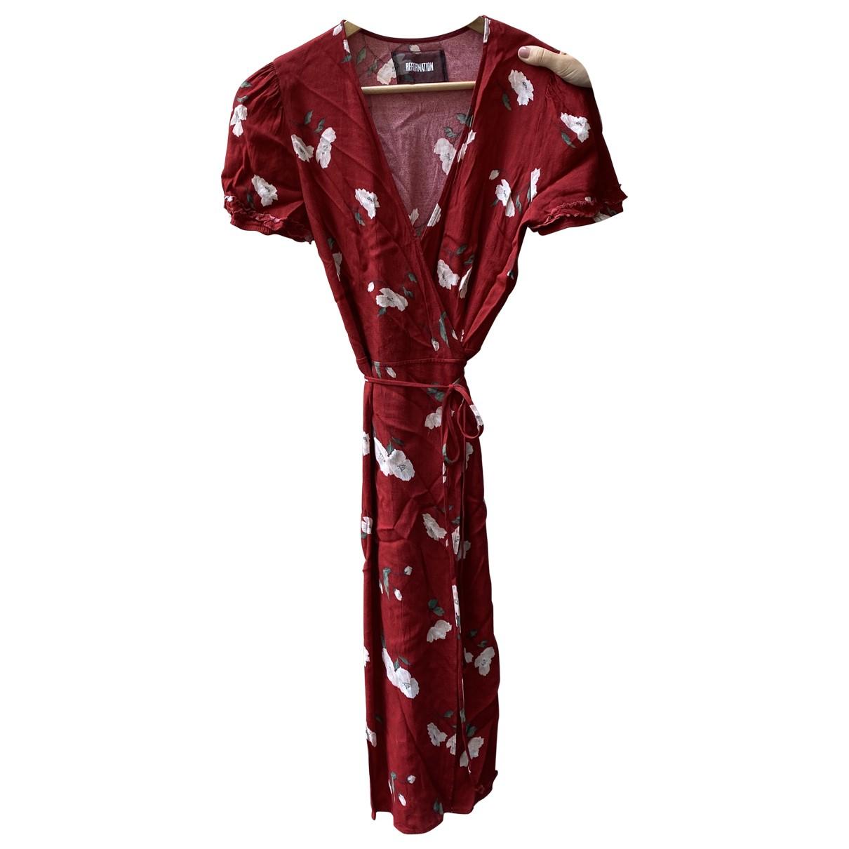 Reformation \N Kleid in  Rot Viskose