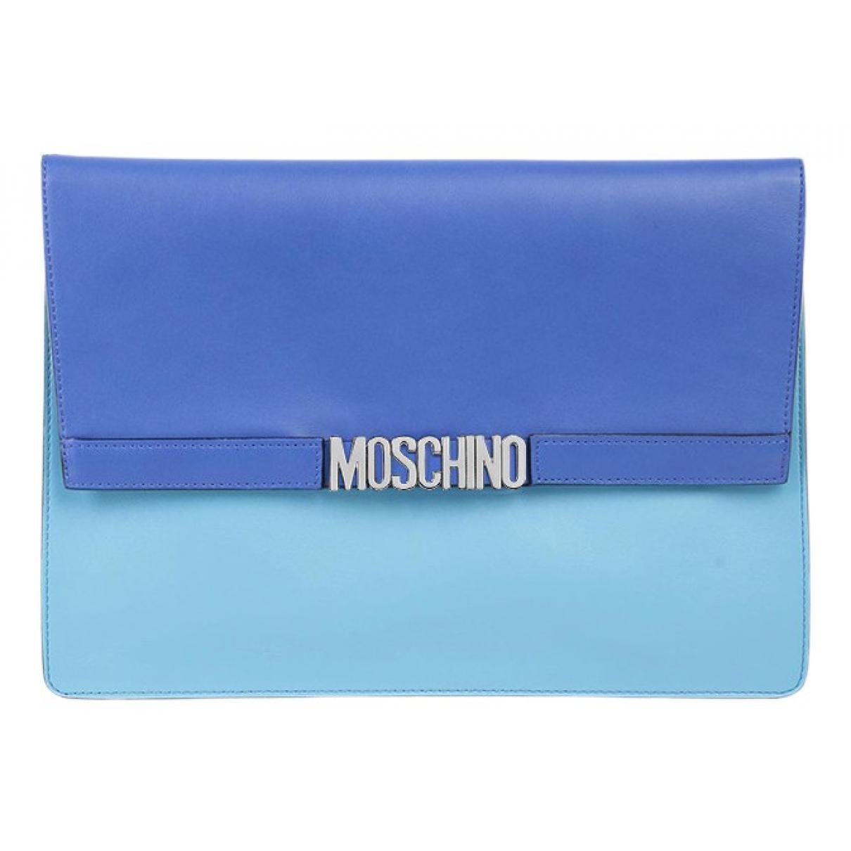Moschino \N Clutch in  Blau Leder