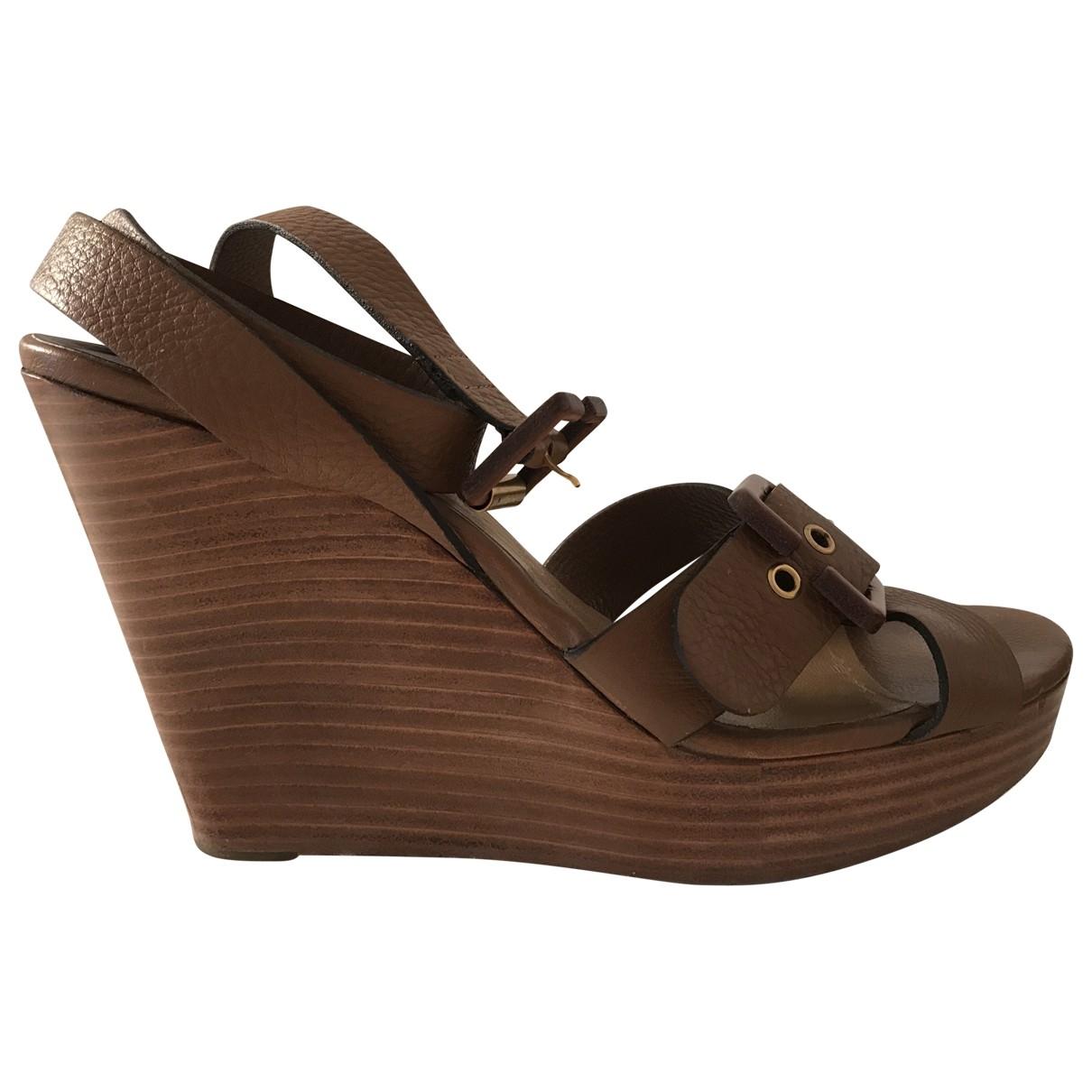 Chloé \N Beige Leather Sandals for Women 40 EU