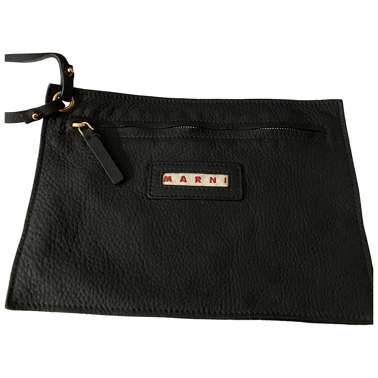 Marni \N Clutch in  Schwarz Leder