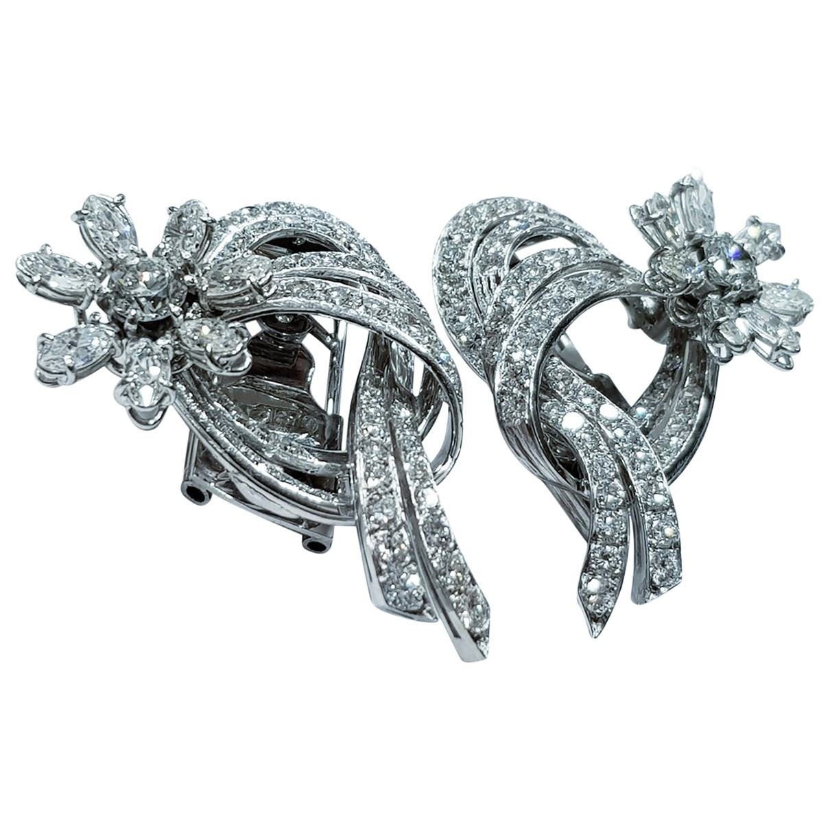 Non Signé / Unsigned Motifs Floraux White Platinum Earrings for Women \N