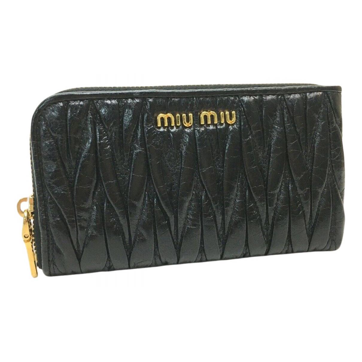Miu Miu \N Portemonnaie in  Schwarz Lackleder