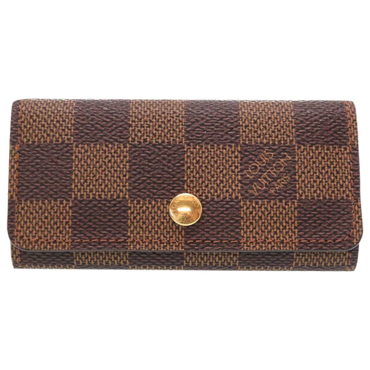 Louis Vuitton \N Brown Cloth Purses, wallet & cases for Women \N