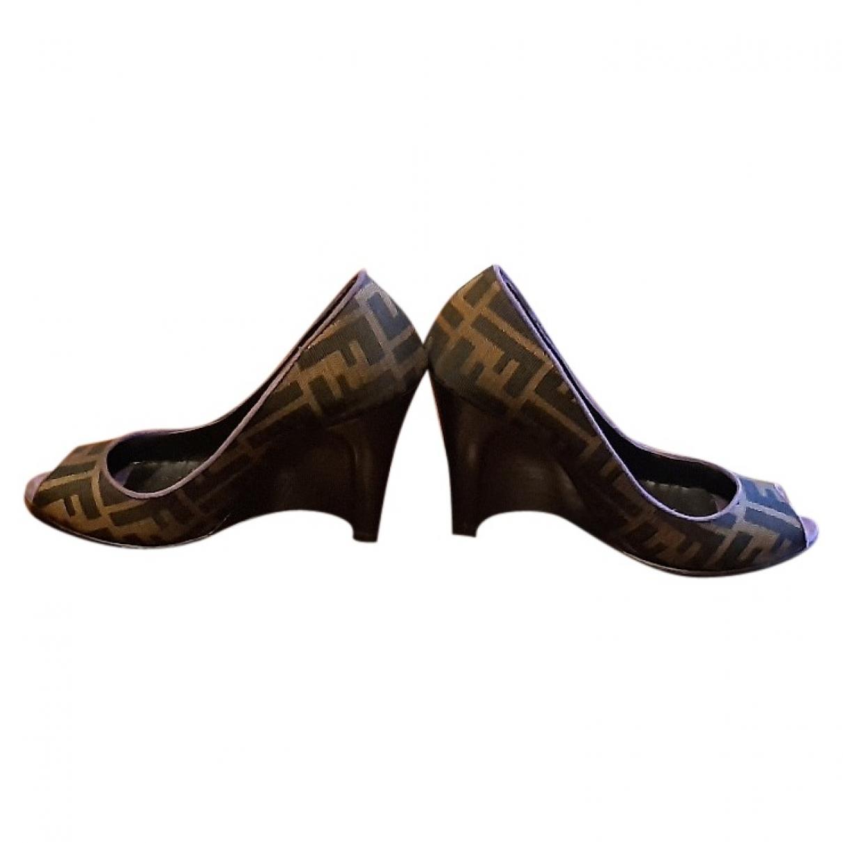 Fendi - Sandales   pour femme en toile - marron