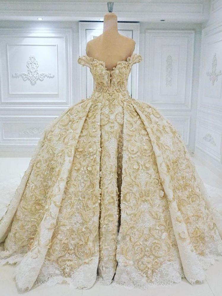 Vestido de novia formal con apliques de encaje dorado con hombros descubiertos