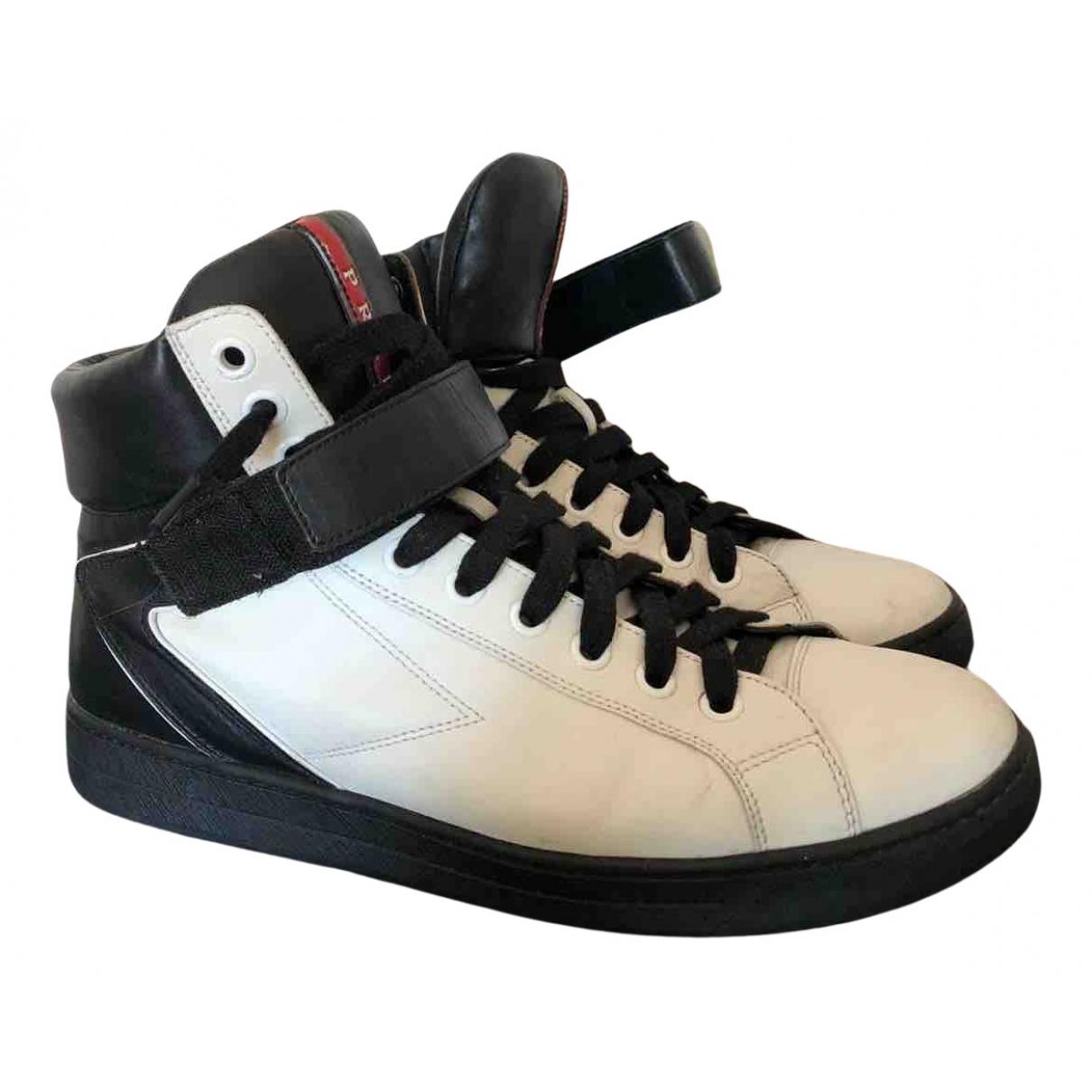 Prada \N Sneakers in  Weiss Leder