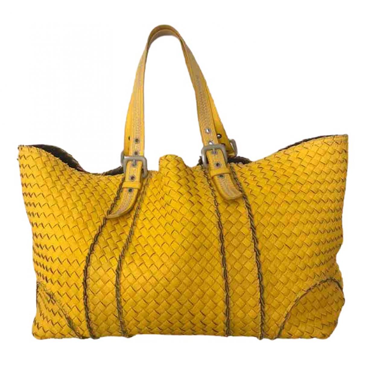 Bottega Veneta Cabat Handtasche in  Gelb Leder