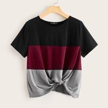 T-Shirt mit Twist am Saum und Farbblock