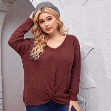 Einfarbiger Pullover mit V-Kragen und Twist