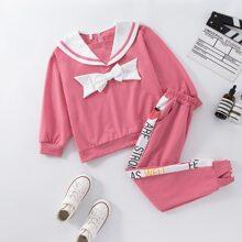 Sweatshirt mit Exerzierkragen und Schleife vorn & Jogginghose