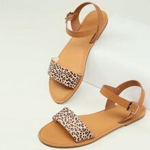 Sandalen mit Gepard Muster, offener Zehenpartie und Knochelriemen
