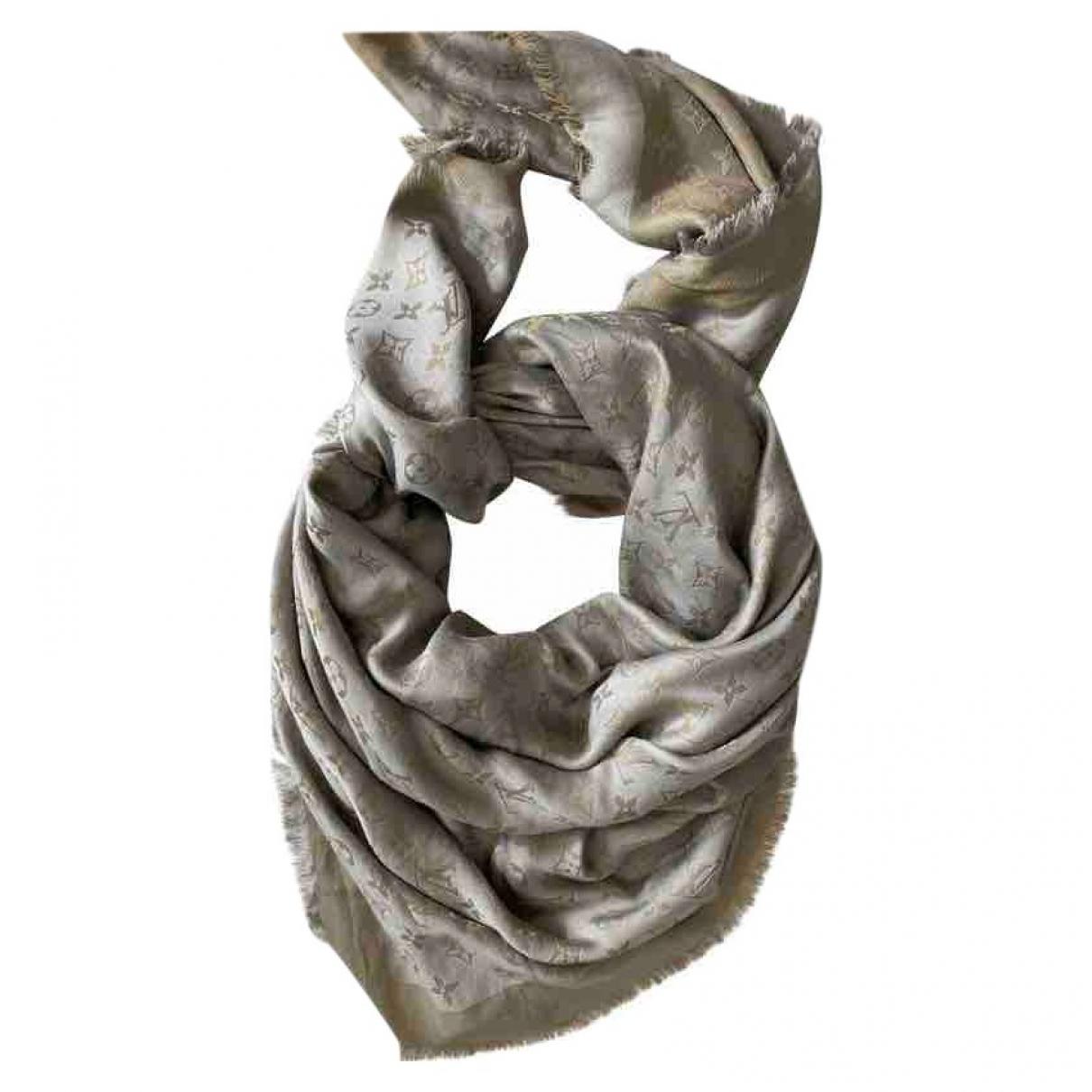 Louis Vuitton Châle Monogram shine Gold Silk scarf for Women \N
