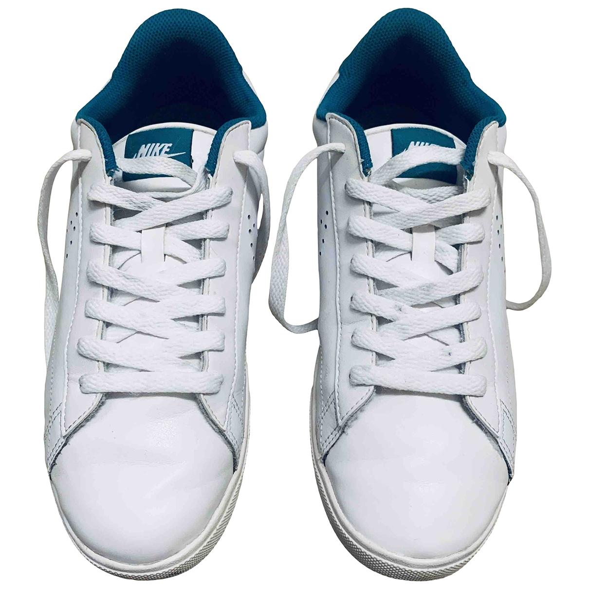 Nike \N Sneakers in  Weiss Lackleder
