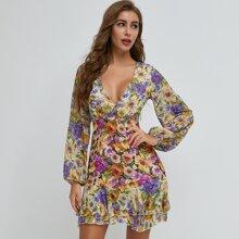 Kleid mit Lanternenaermeln, mehrschichtigem Saum und Blumen Muster