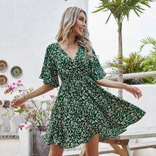 Kleid mit Bluemchen Muster, V-Ausschnitt und Flatteraermeln