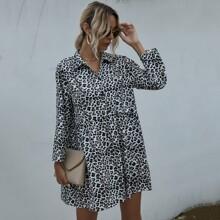 Kleid mit Leopard Muster und halber Knopfleiste