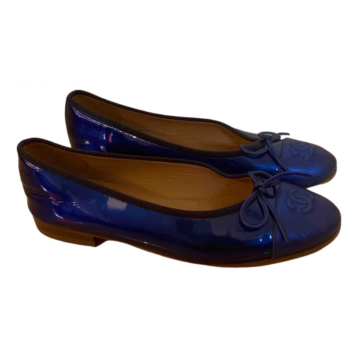 Chanel \N Ballerinas in  Blau Lackleder