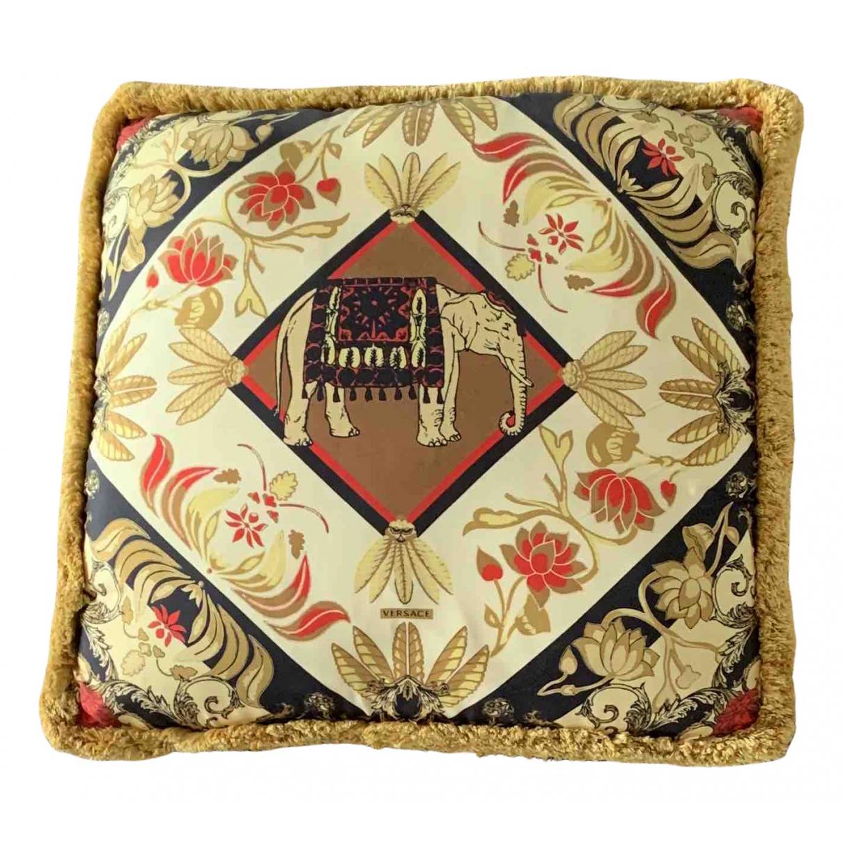 Cojin de Seda Versace