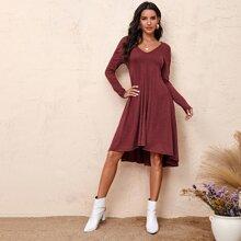 A-Linie Kleid mit sehr tief angesetzter Schulterpartie