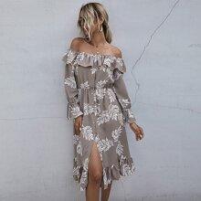 Schulterfreies Kleid mit Knopfen vorn, Rueschenbesatz und Pflanzen Muster