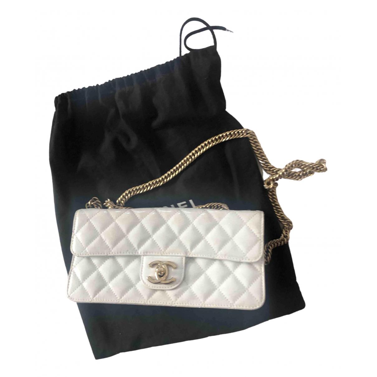 Chanel \N Handtasche in  Weiss Lackleder