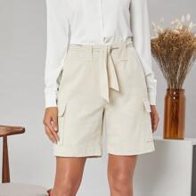 Bermuda Shorts mit Taschen Klappe, Selbstguertel und Manschetten