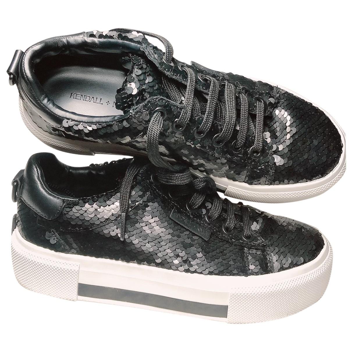 Kendall + Kylie \N Sneakers in  Schwarz Leder