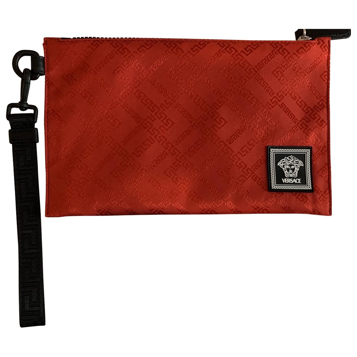 Versace \N Clutch in  Rot Leinen