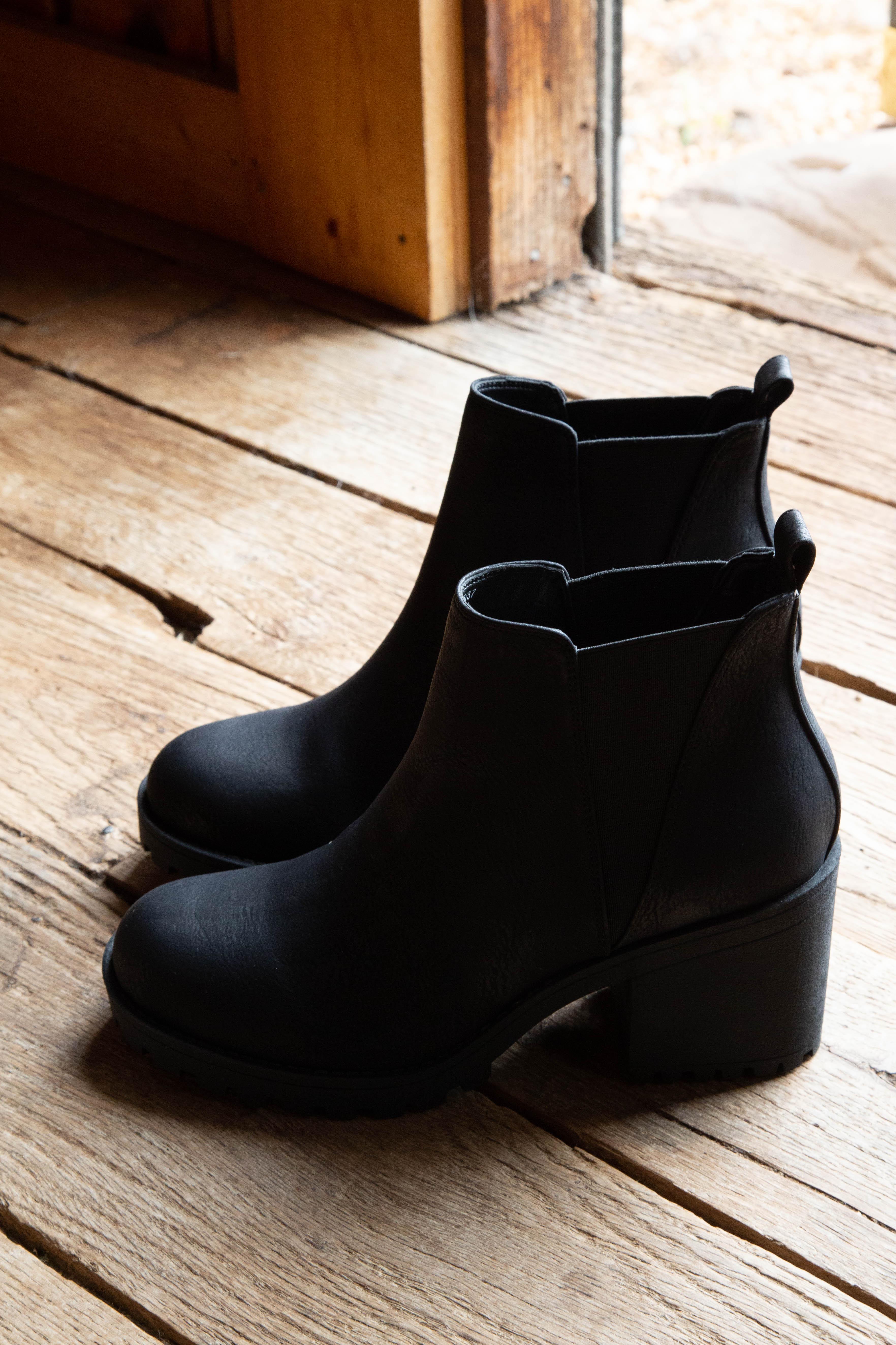 Lisbon Sedona Boot Black | Dirty Laundry