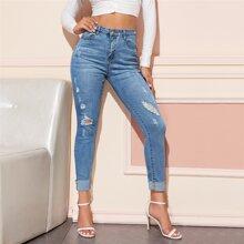 Schmale Jeans mit Riss