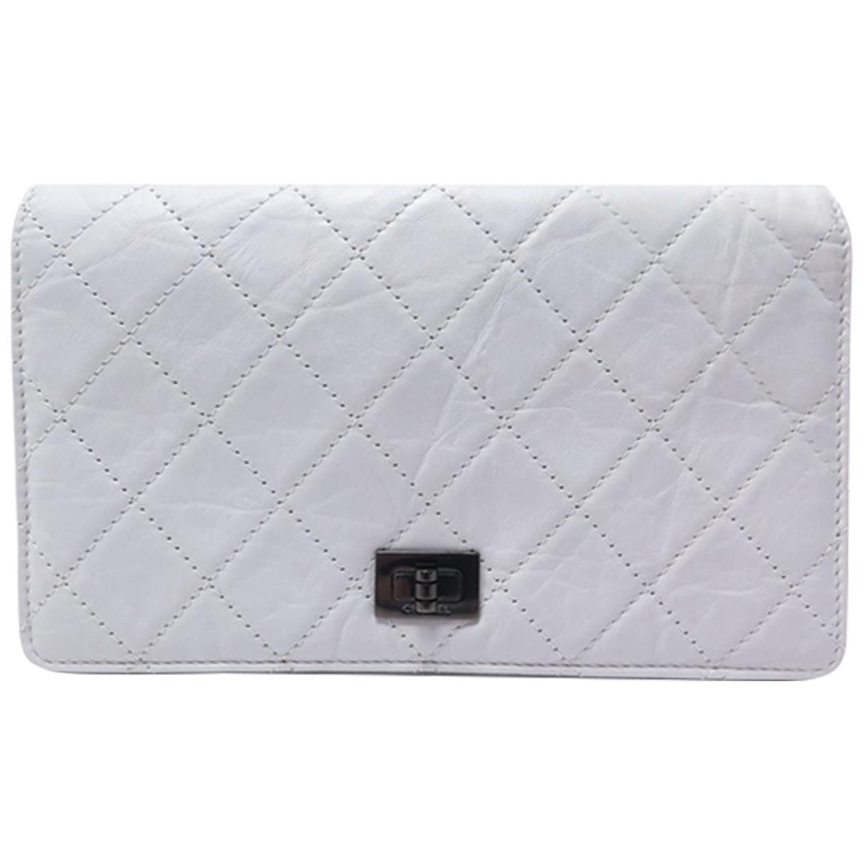 Chanel - Portefeuille 2.55 pour femme en cuir - gris