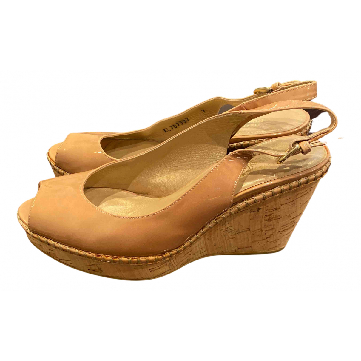 Stuart Weitzman N Beige Patent leather Sandals for Women 7 UK