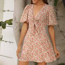 Kleid mit Band vorn, Puffaermeln und Blumen Muster