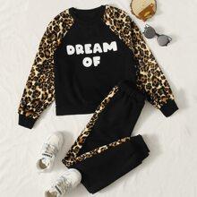 Pullover & Jogginghose Set mit Leopard Muster, Raglanaermeln und Buchstaben Grafik