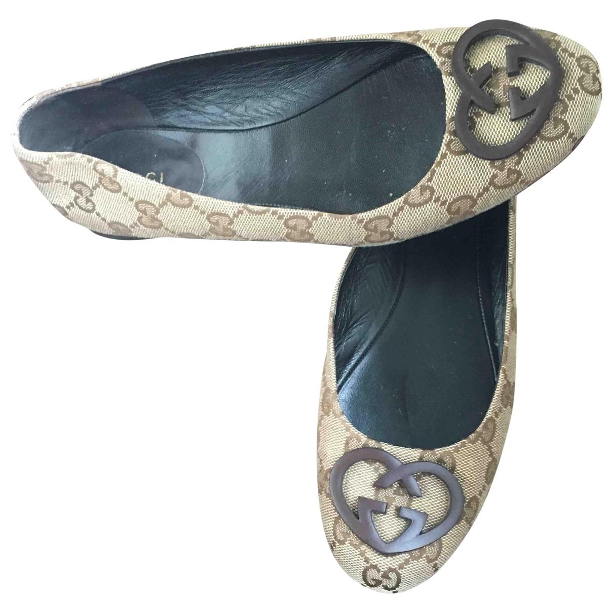 Gucci \N Beige Cloth Flats for Women 36 EU