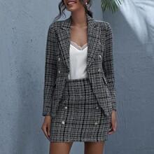 Conjunto blazer tweed de cuadros bajo crudo con boton doble con falda