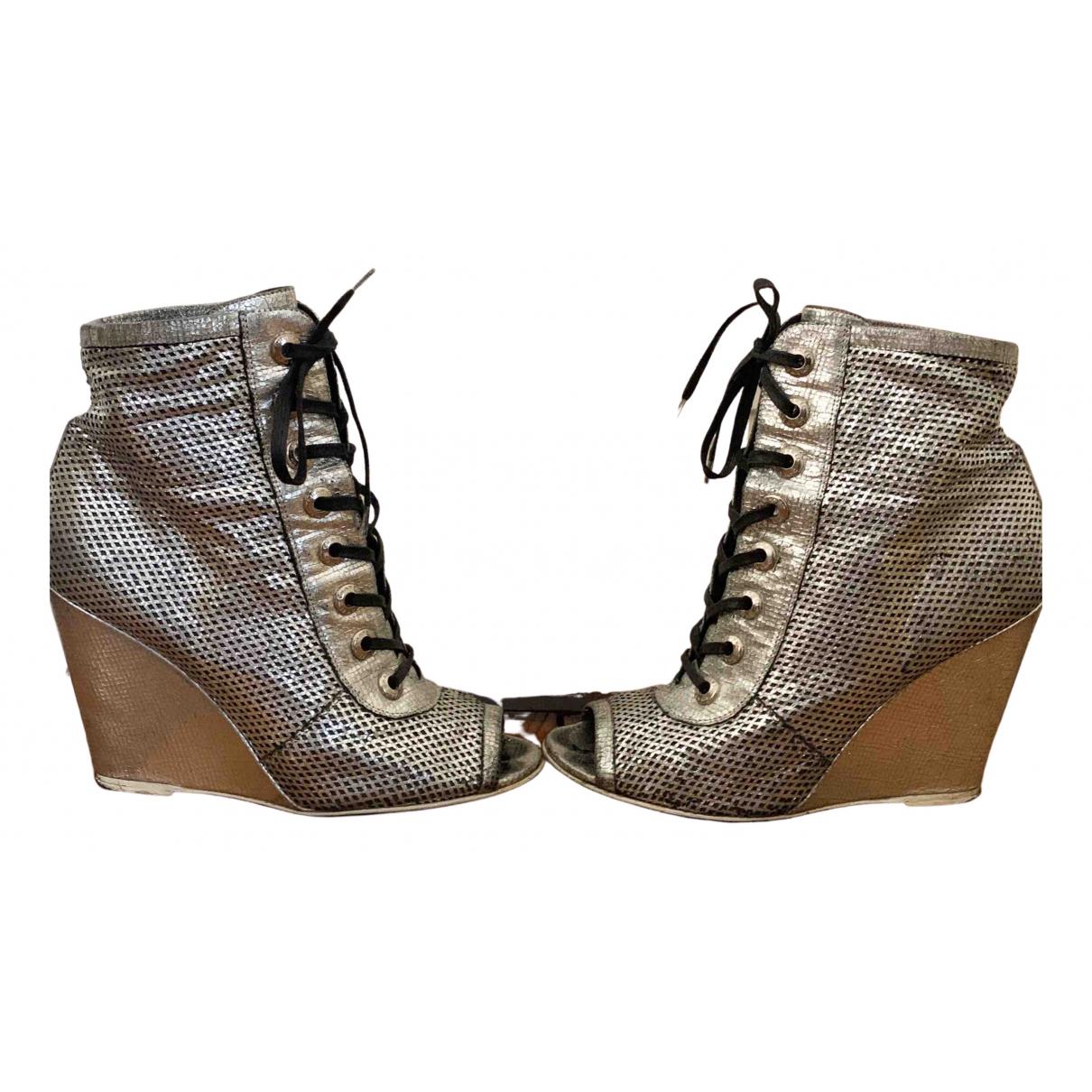 Chanel \N Stiefeletten in  Metallic Leder