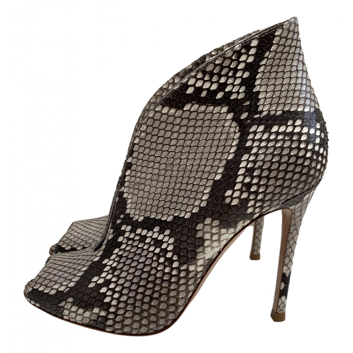 Gianvito Rossi - Boots   pour femme en python - gris