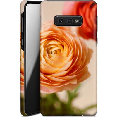 Samsung Galaxy S10e Smartphone Huelle - She Loved Flowers von Joy StClaire