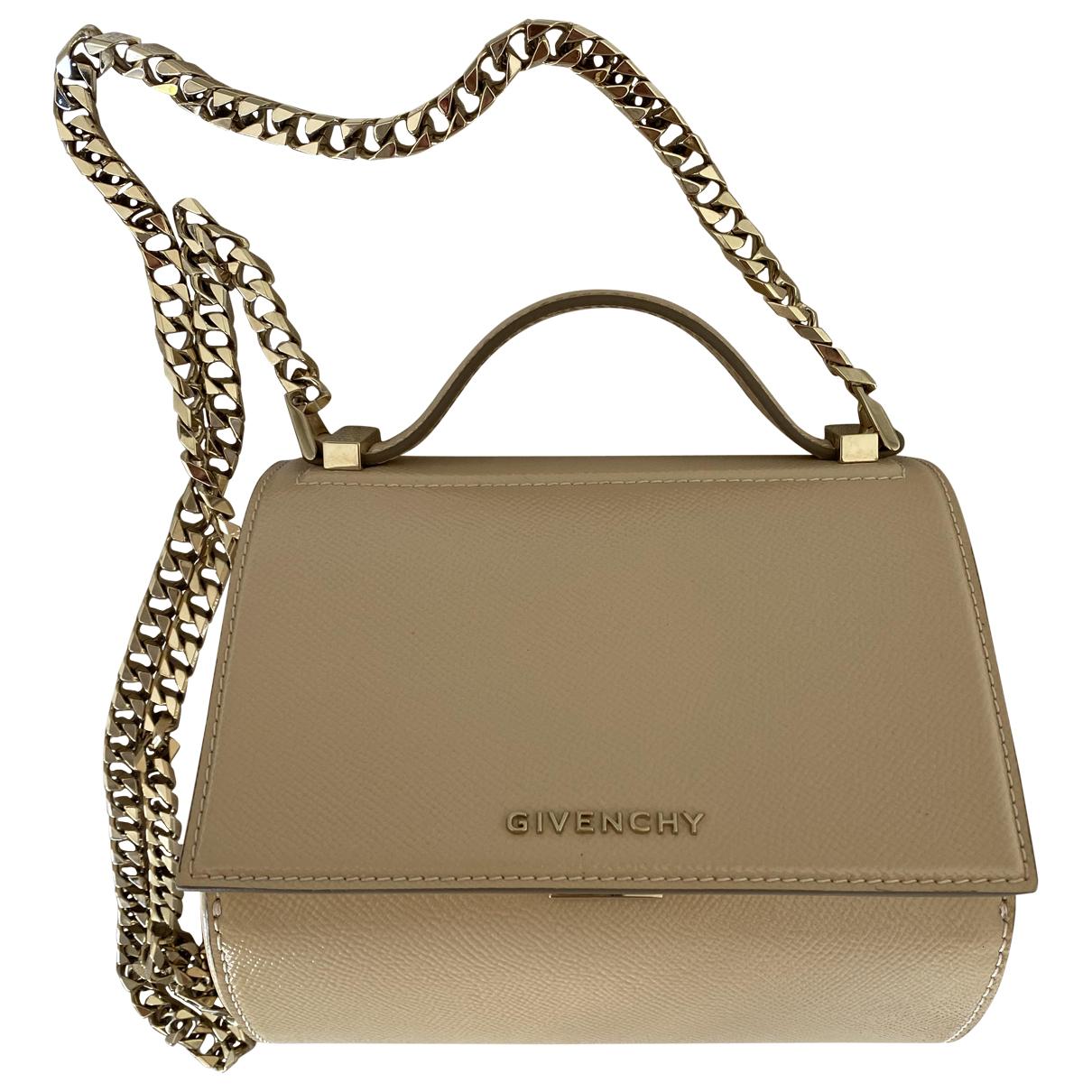 Givenchy Pandora Box Clutch in  Rosa Lackleder