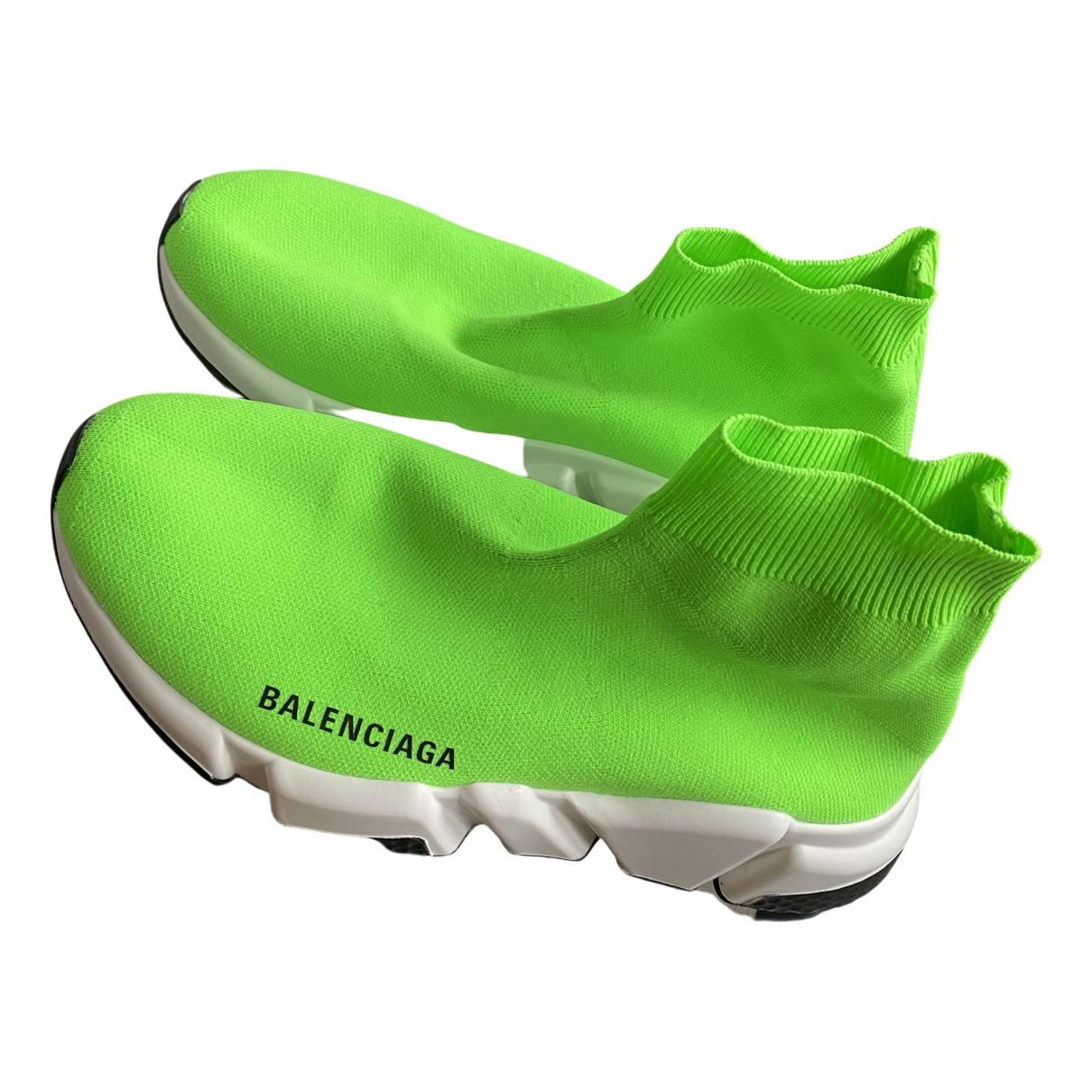 Balenciaga Speed Sneakers in  Gruen Kautschuk