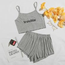 Cami Schlafanzug Set mit Buchstaben Grafik und gekraeuseltem Saum