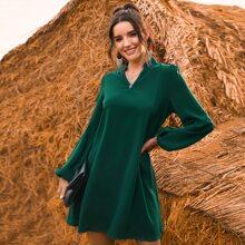 Einfarbiges Tunika Kleid mit eingekerbtem Kragen