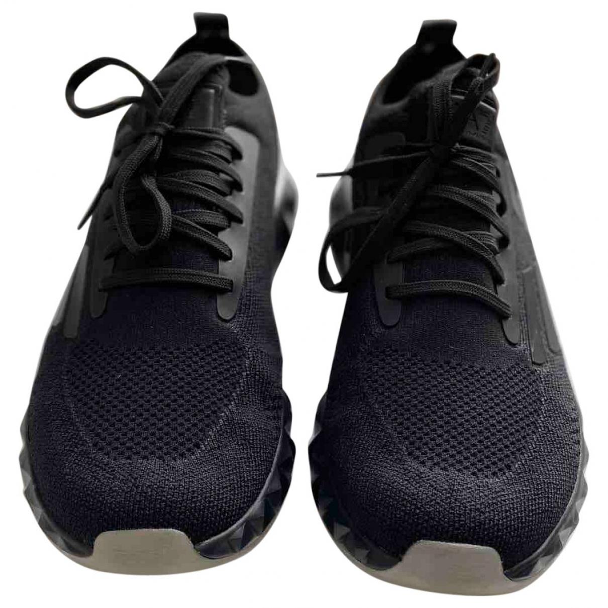Emporio Armani \N Sneakers in  Schwarz Leinen
