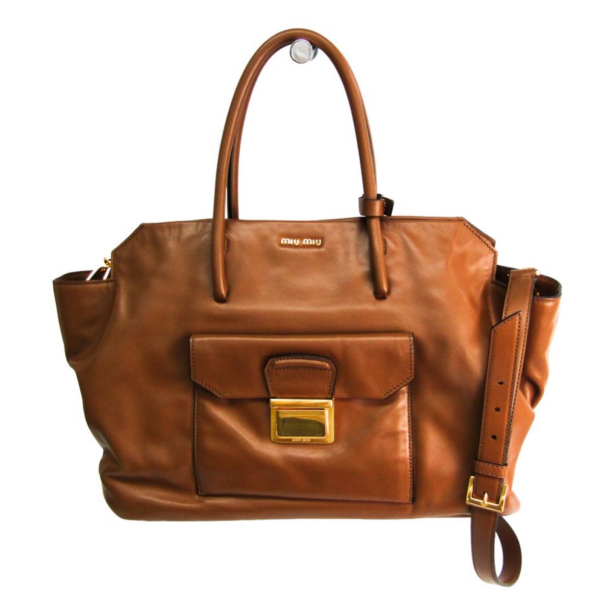 Miu Miu \N Handtasche in  Braun Leder