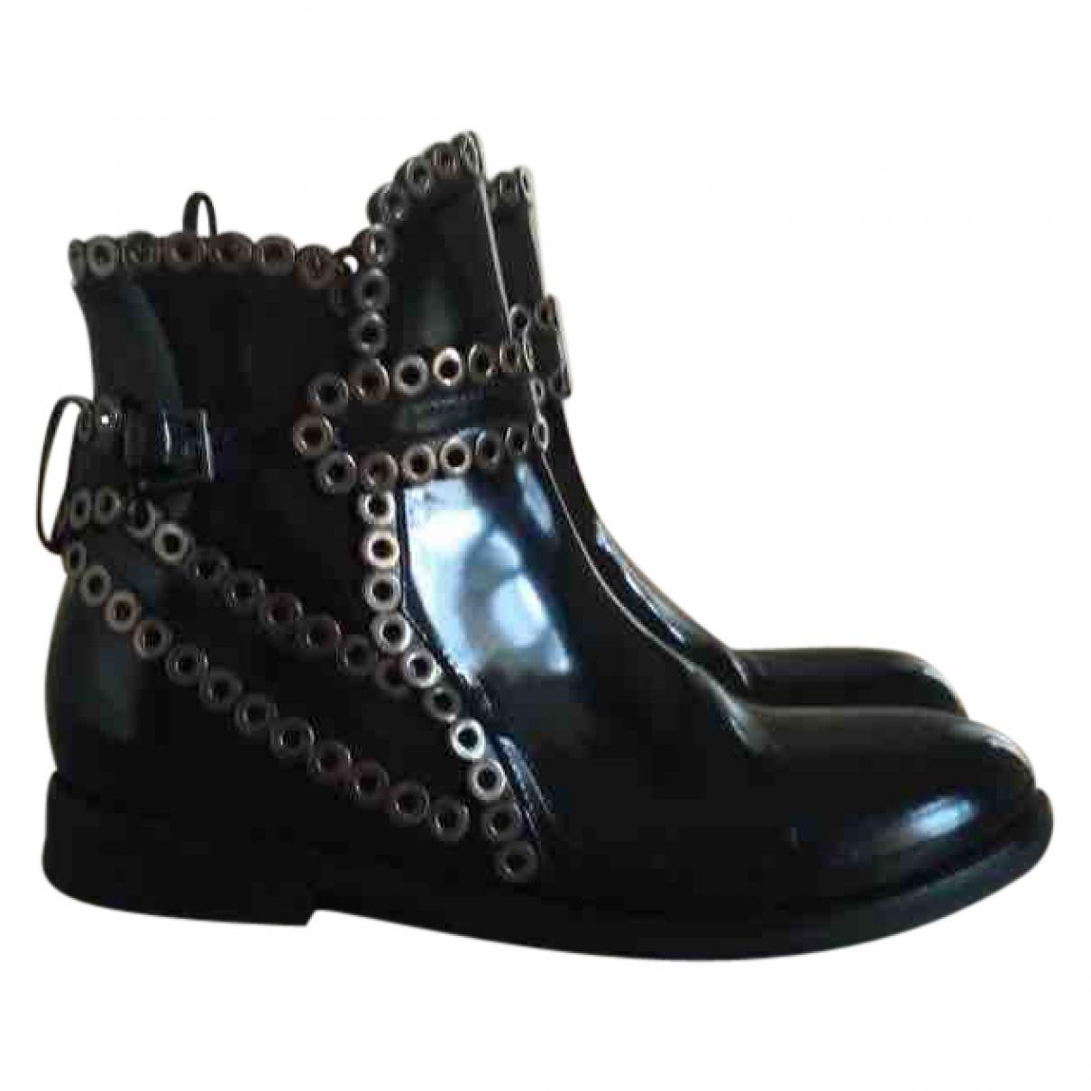 Alaia \N Stiefel in  Schwarz Lackleder