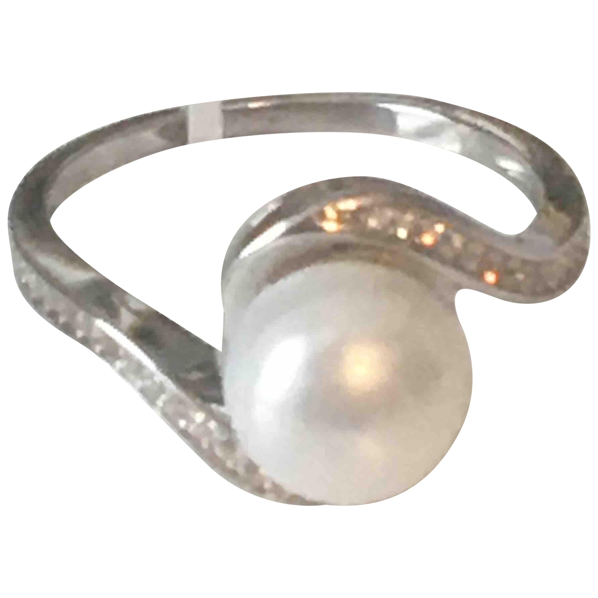 Non Signe / Unsigned Nacre Ring in  Weiss Perle