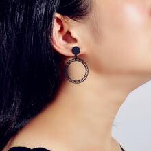 Ohrringe mit Ausschnitt