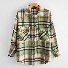 Bluse mit sehr tief angesetzter Schulterpartie, Knopfen und Karo Muster