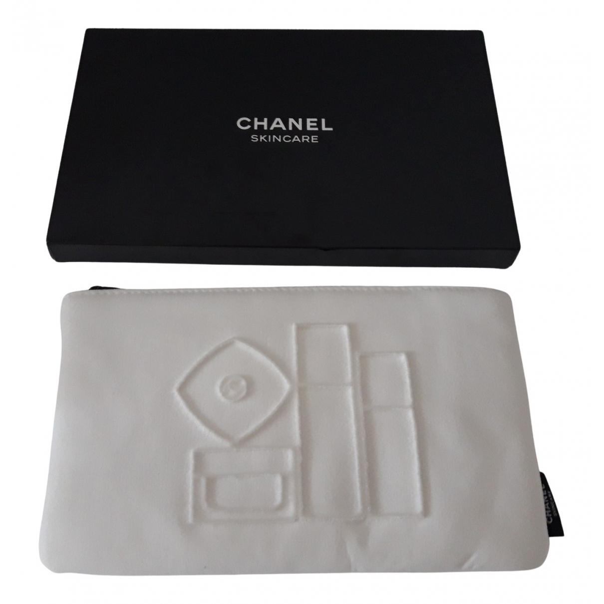 Chanel \N Reisetasche in  Weiss Synthetik